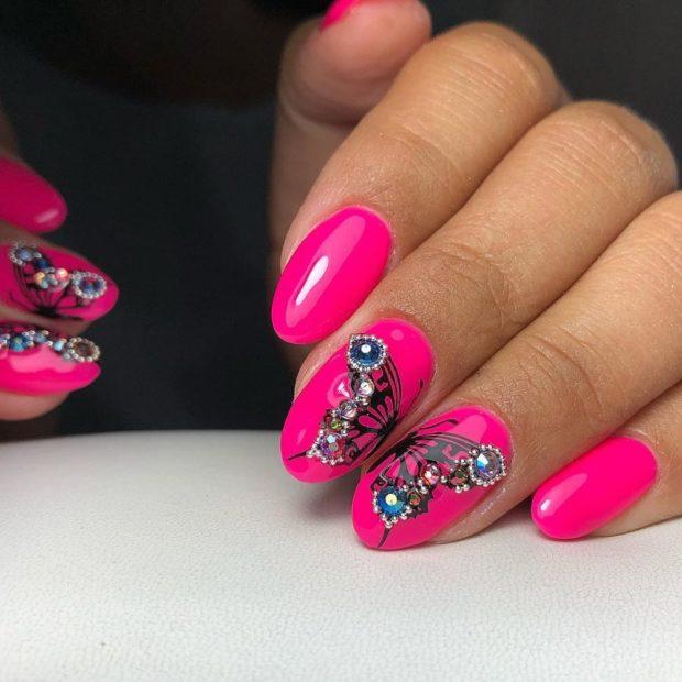 розовый со стразами
