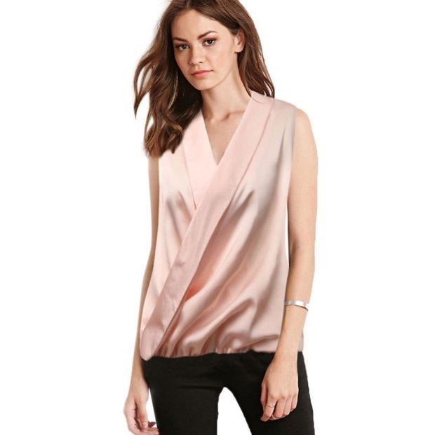 атласная блуза цвета пудры