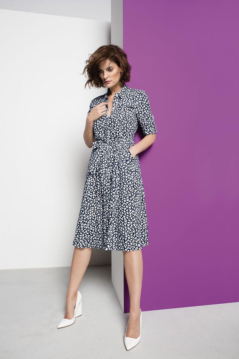 летнее легкое платье с рисунком