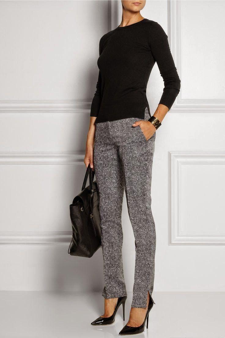 серые прямые брюки и черный реглан