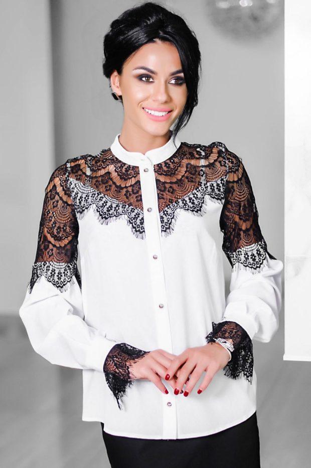 Мода весна лето 2021 для женщин за 40: белая блуза с черным кружевом