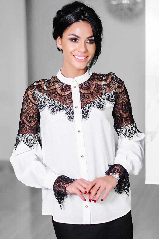 белая блуза с черным кружевом