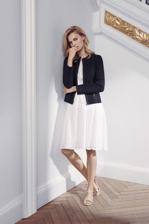 белое платье миди и черный жакет