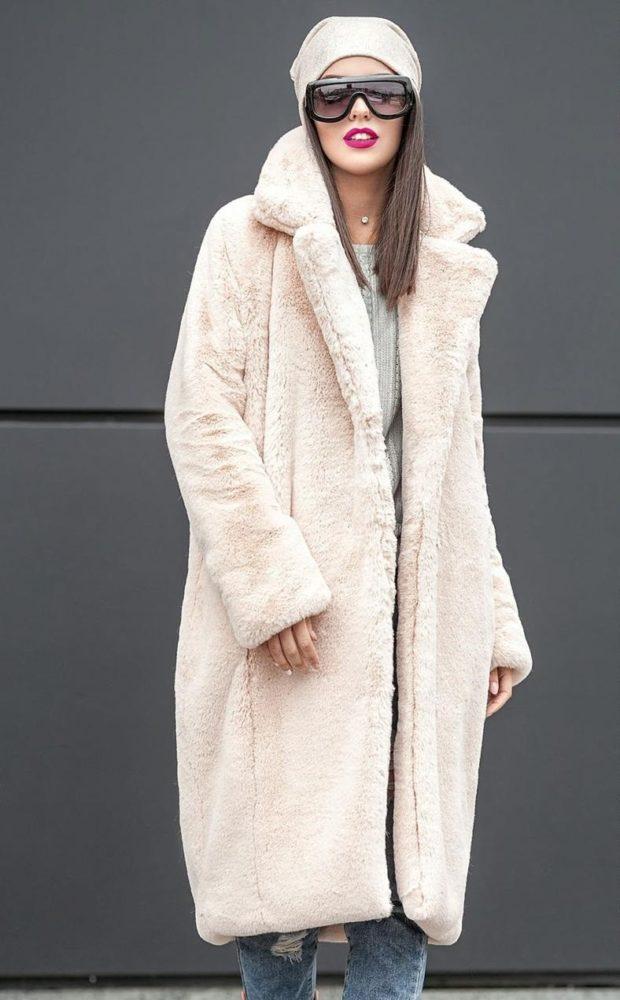 мода в одежде: белая плюшевая шуба