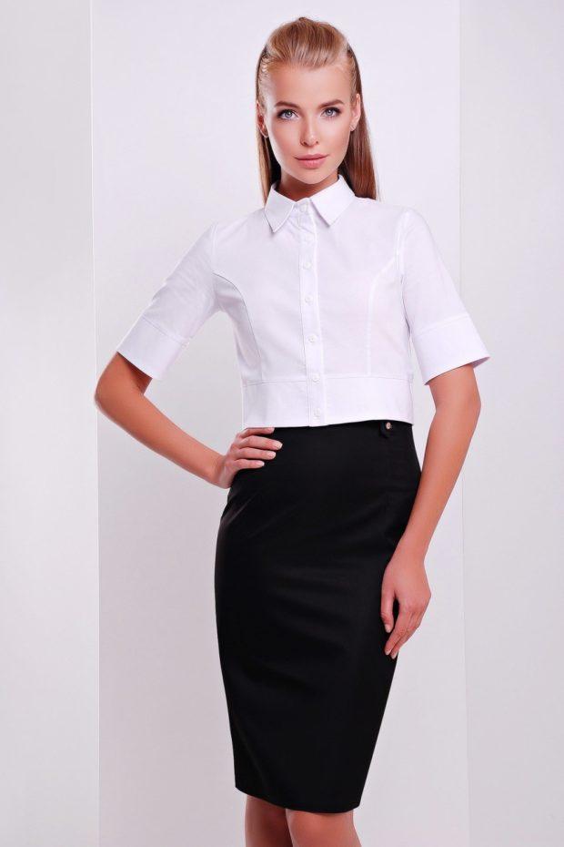 мода 2019-2020: белая блузка с коротким рукавом