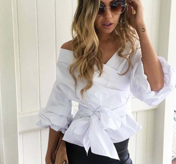 белая блузка с запахом открытые плечи