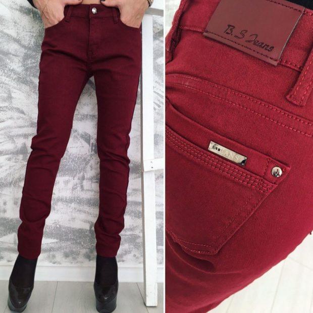 джинсы бордовые