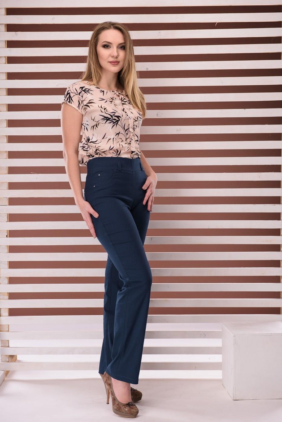 синие брюки с высокой талией классика
