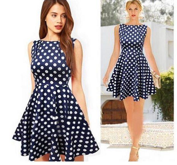 мода в женской одежде: сарафан синий в белый горох