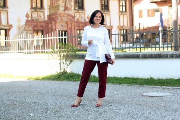 бордовые брюки короткие под блузку с поясом