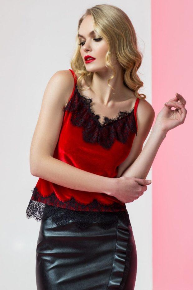 кожаная юбка топ в бельевом стиле красный