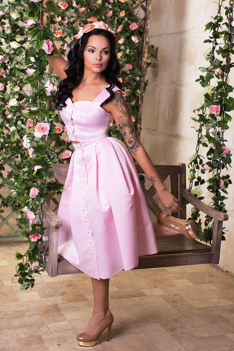 розовая юбка и топ