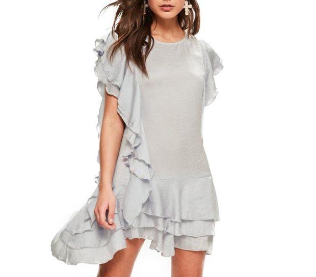 платье серое с оборками
