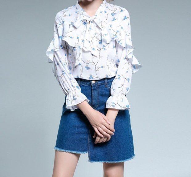 белая блузка с оборками под джинсовую юбку