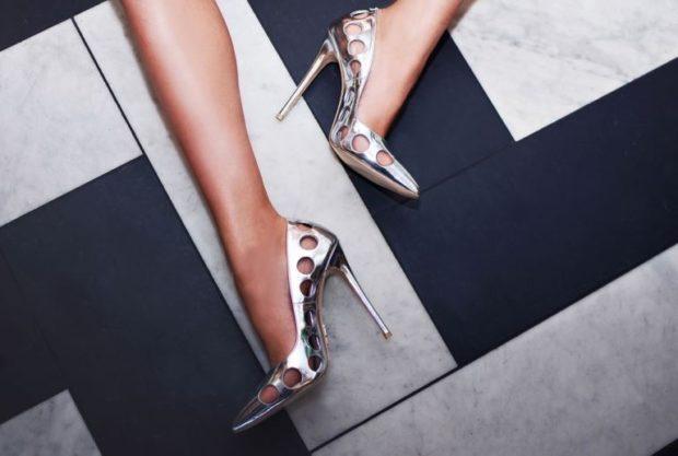 туфли металлика с круговыми отверстиями