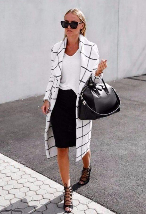 юбка черная карандаш под белую футболку пальто белое в черную клетку