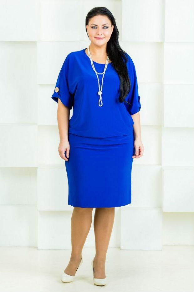 синее платье по колено