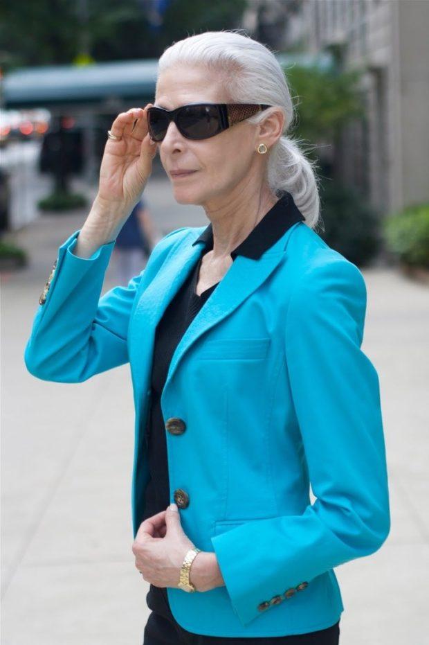 яркий голубой пиджак