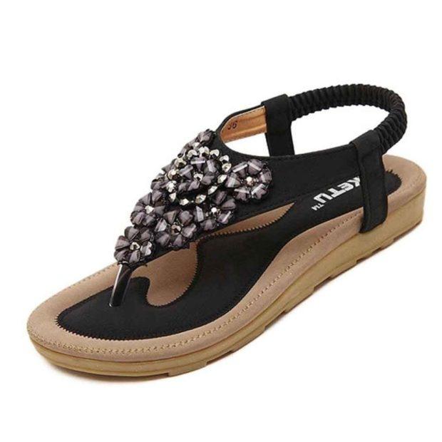 черные сандалии со стразами