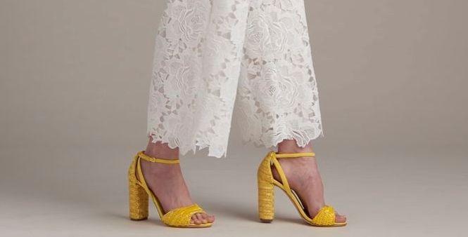 босоножки желтые на каблуке