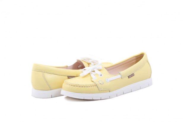 топсайдеры желтые с белыми шнурками