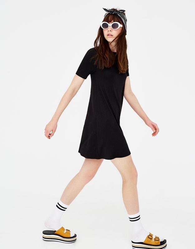 черное короткое платье простой крой
