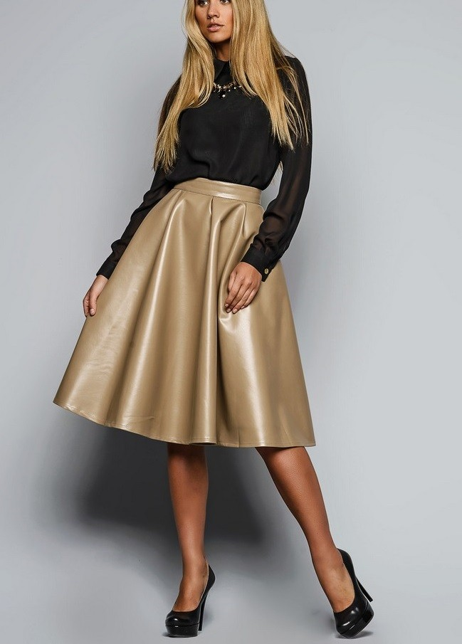 кожаная юбка золотого цвета