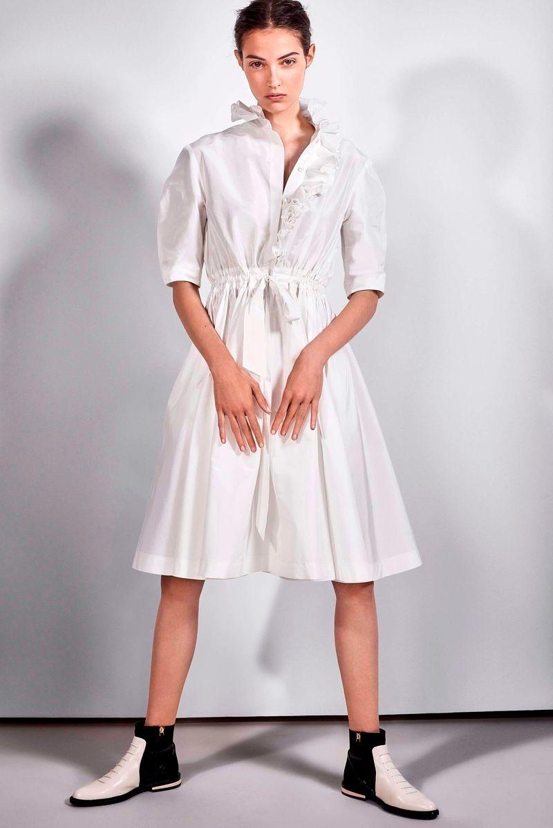 платье белое с поясом-резинкой