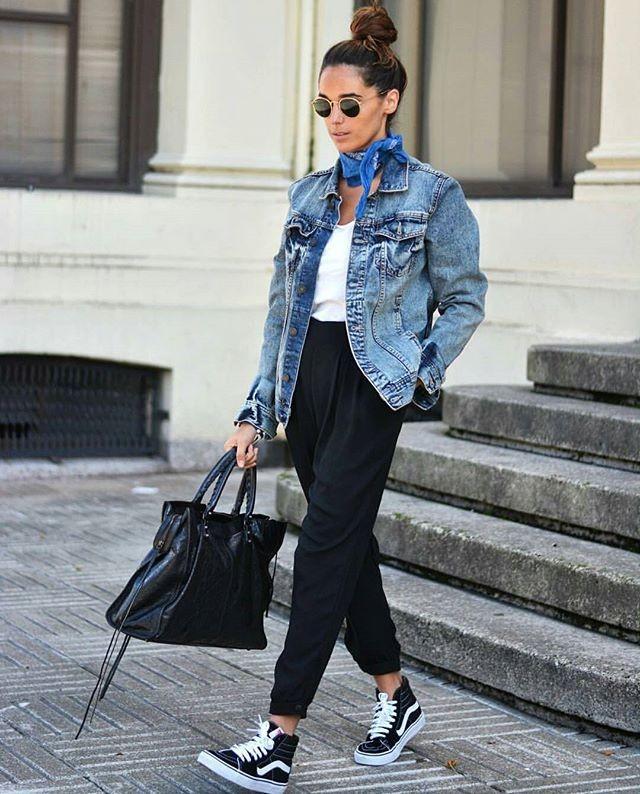 черные короткие брюки под джинсовую куртку