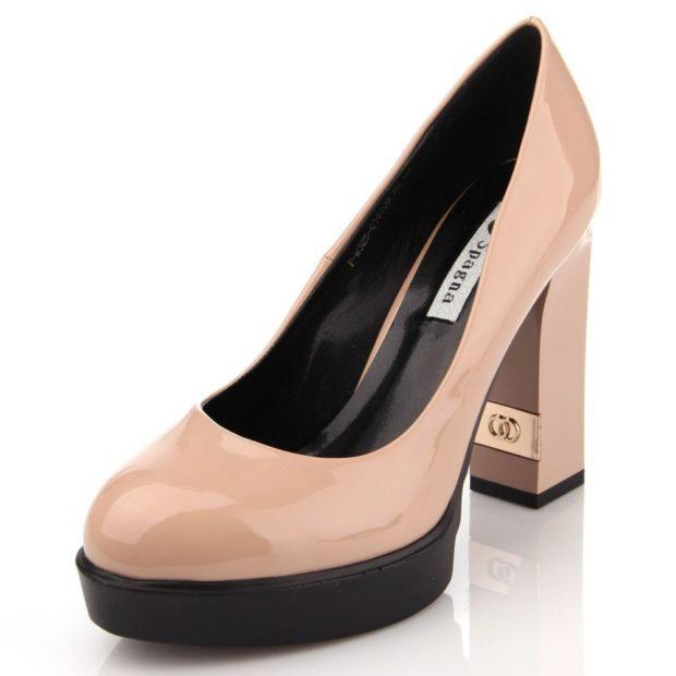 туфли лаковые на толстом каблуке цвет пудры