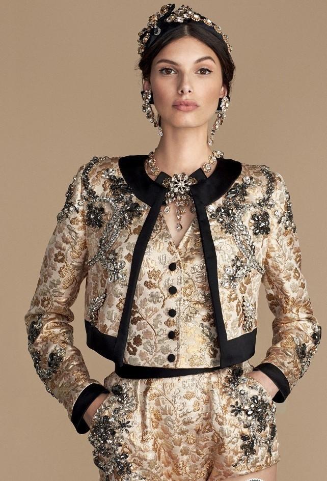 пиджак жилетка шорты золотые в вензеля