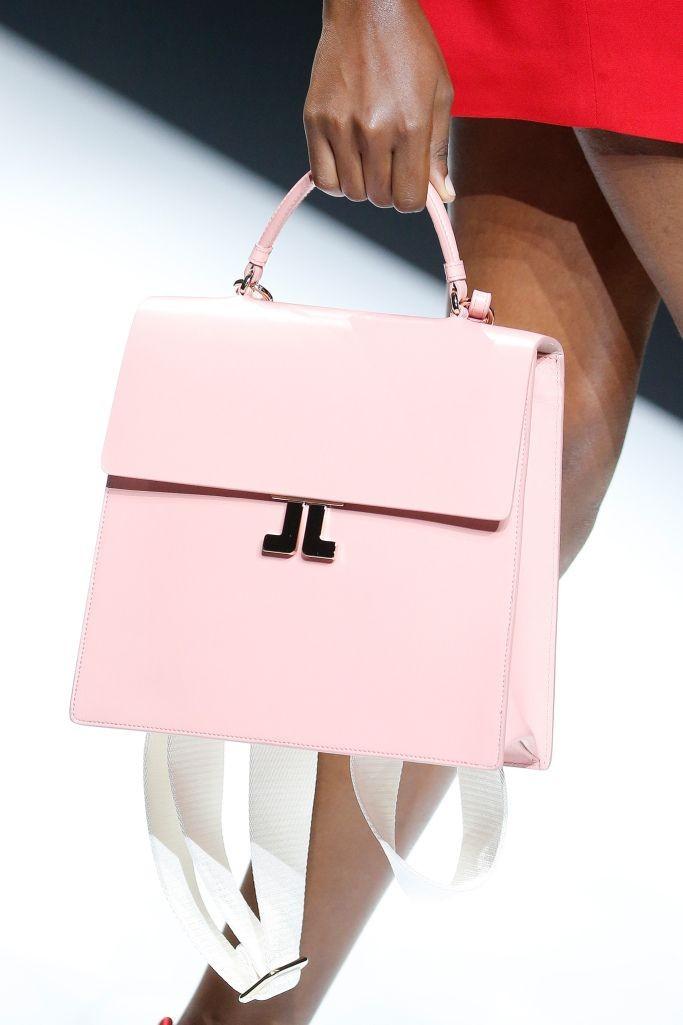 пудровая сумка каркасная на коротком ремне
