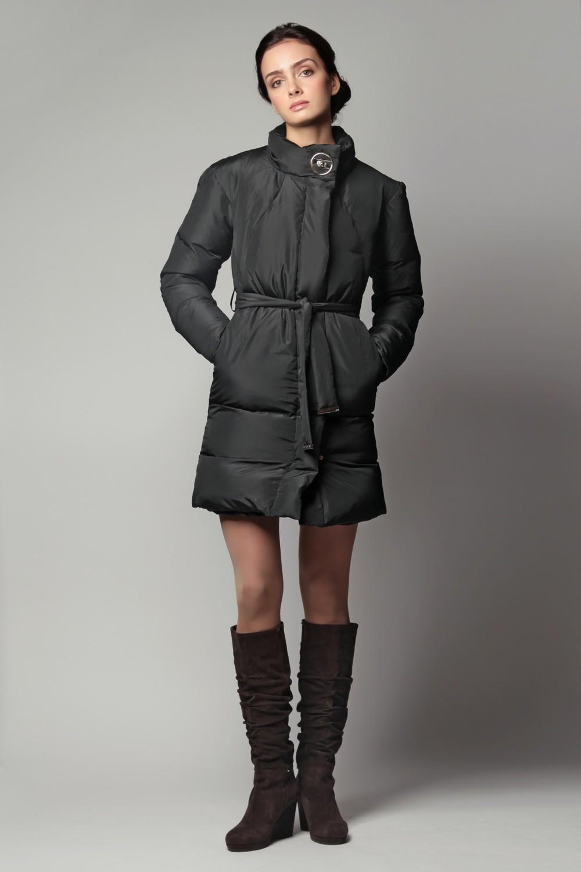 черное короткое пальто на синтепоне