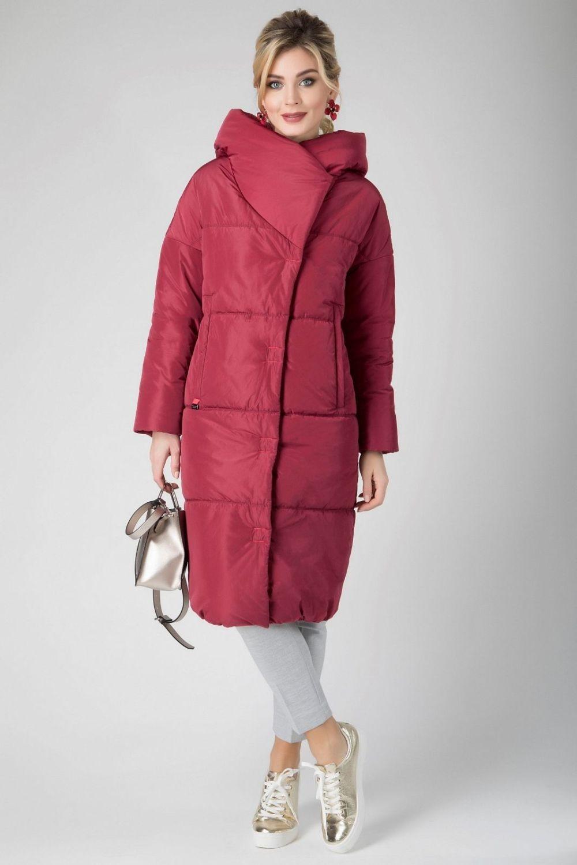 бордовое прямое пальто на синтепоне