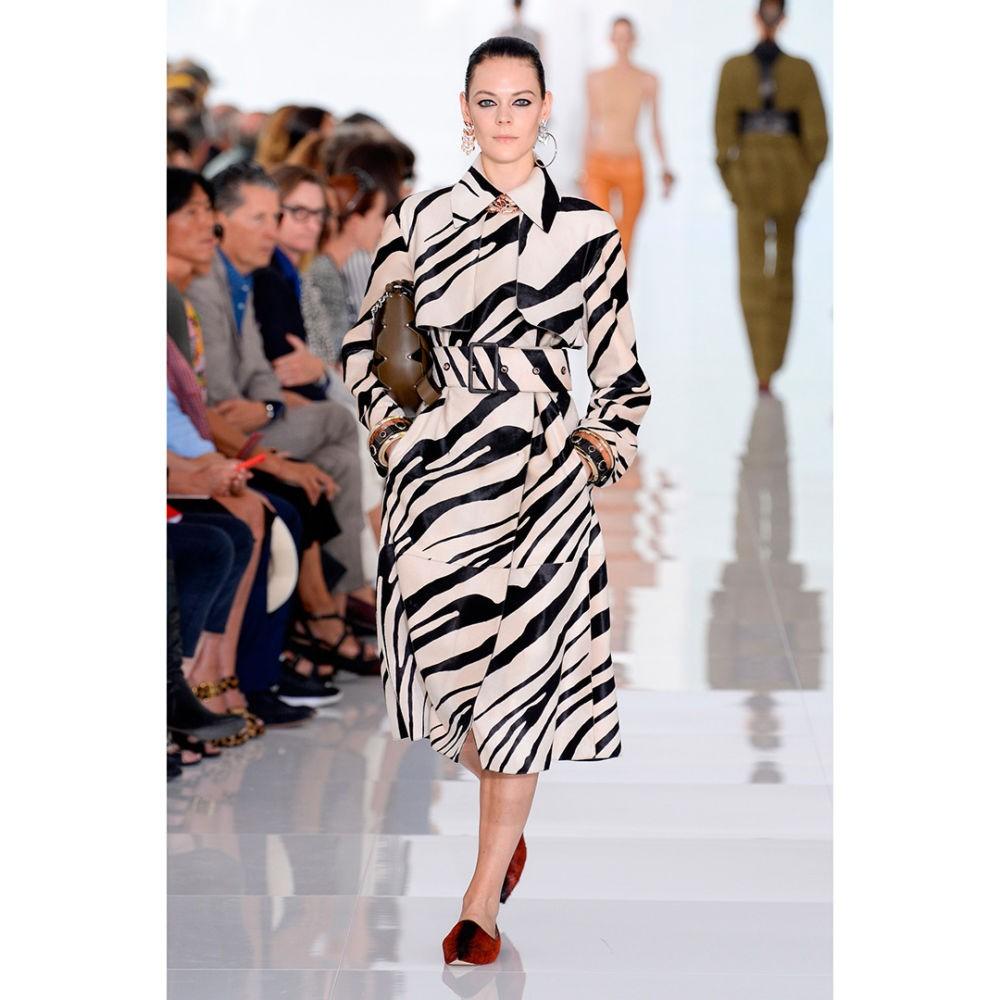 пальто за колено с принтом зебра