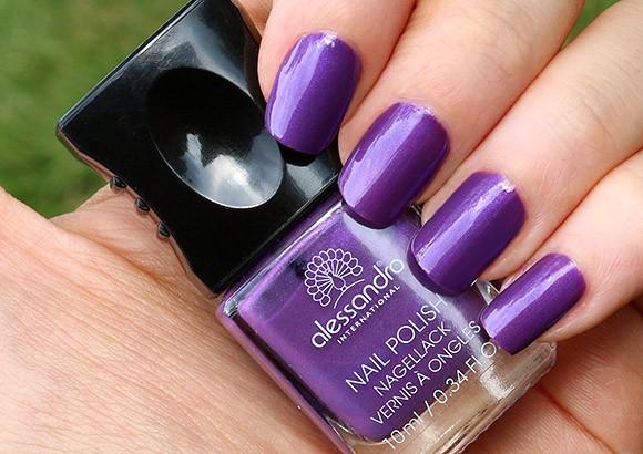 модный фиолетовый лак