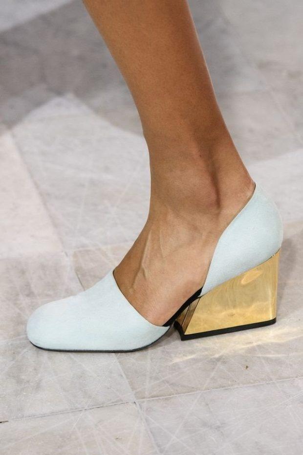 белые туфли с золотым каблуком