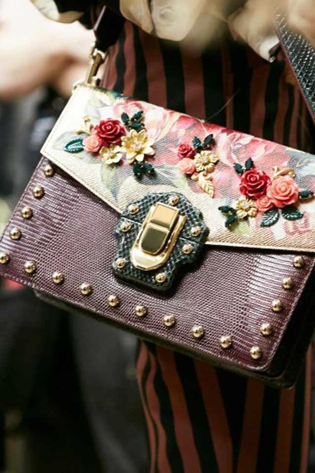 маленькая сумка с цветочным декором