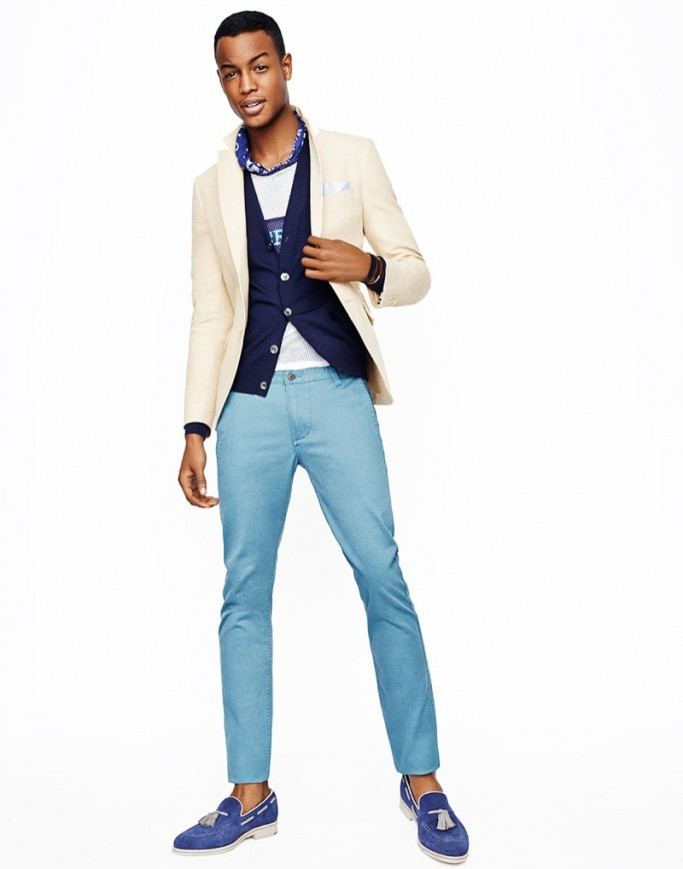 пиджак и голубые джинсы