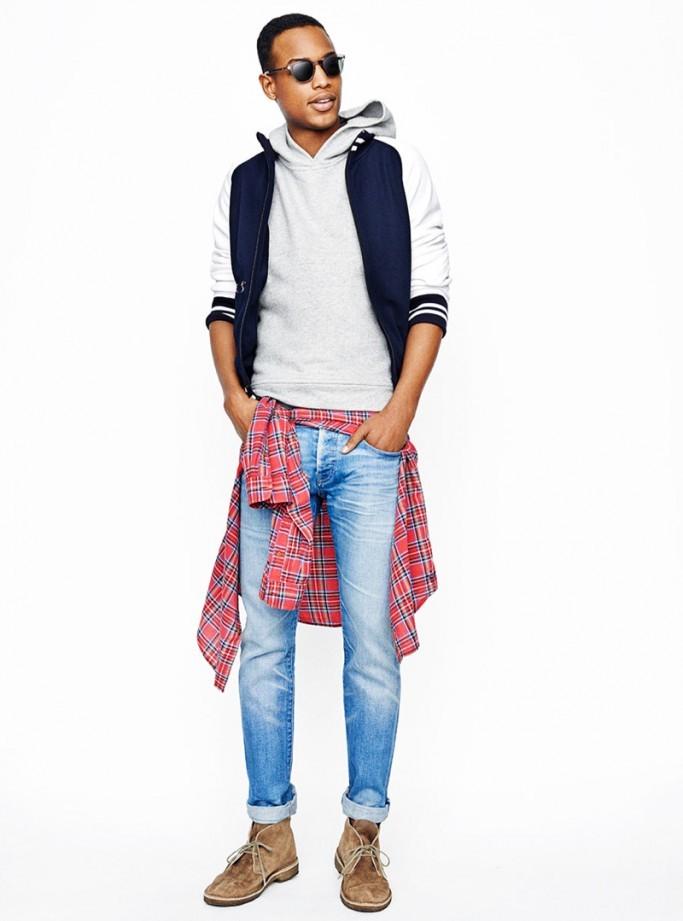 голубые джинсы и жилет