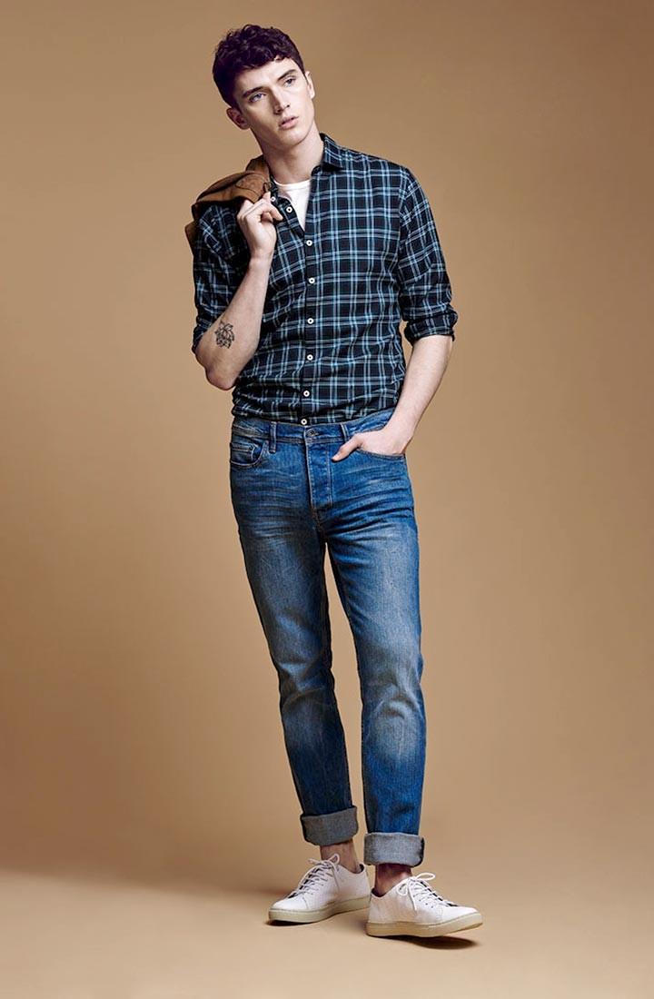 джинсы с рубашкой в клетку