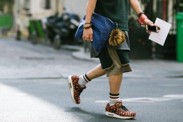 коричневые кроссовки