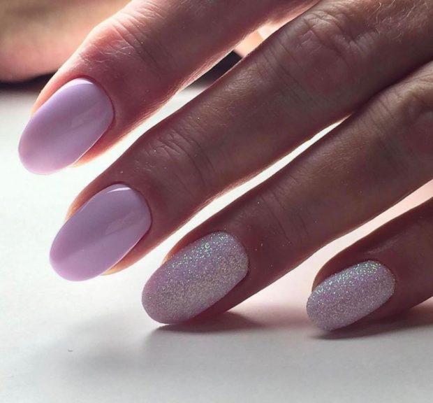 на короткие ногти розовый с блестками