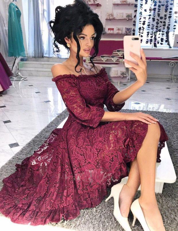 кружевное платье миди цвета марсала