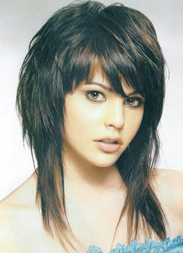 стрижка на длинные волосы: дебют с косой челкой
