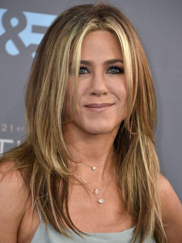 женские стрижки на длинные волосы: каскад без челки