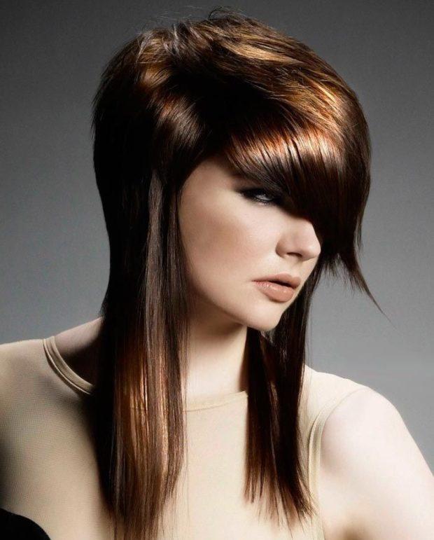 длинная женская стрижка: Шапочка с косой челкой