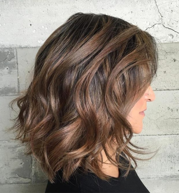 Короткие стрижки на вьющиеся волосы после 40 лет