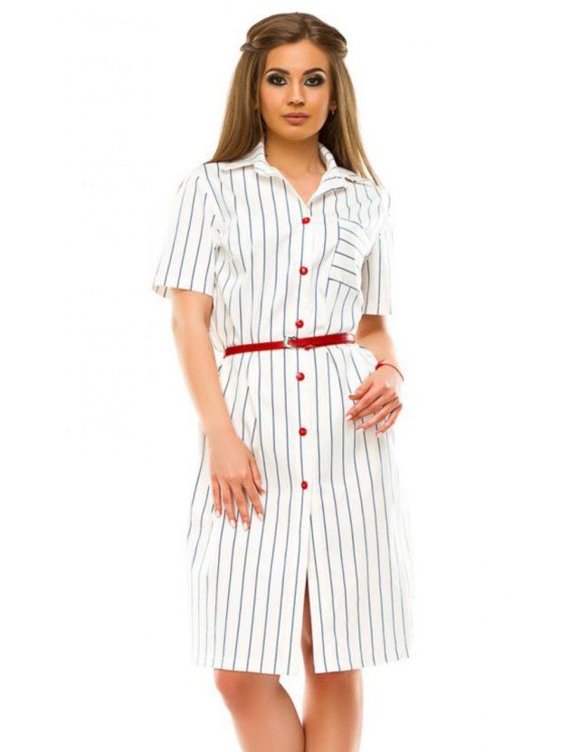 платье для полных женщин: рубашка белого цвета с красным ремнем
