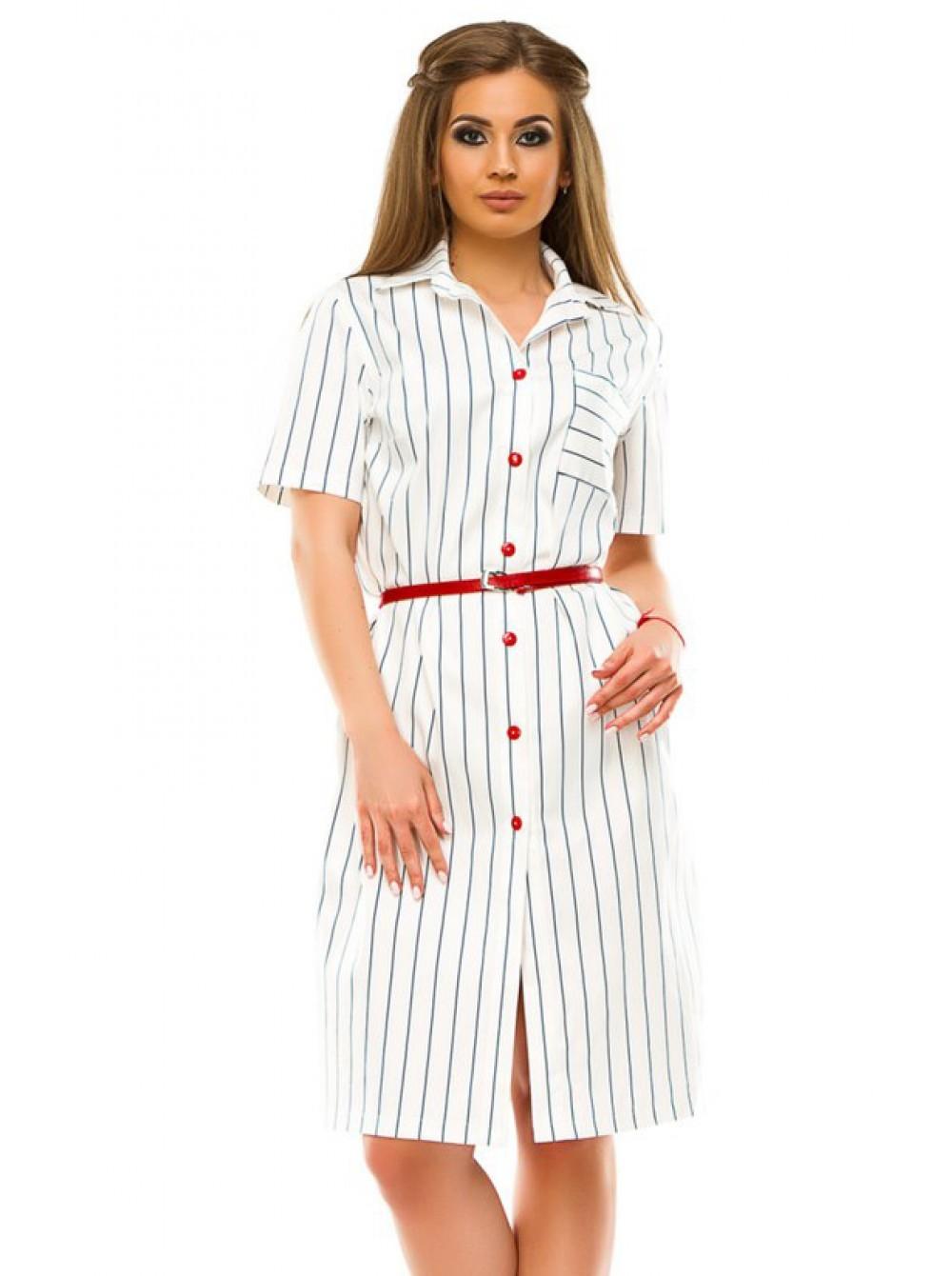 платье-рубашка белого цвета с красным ремнем